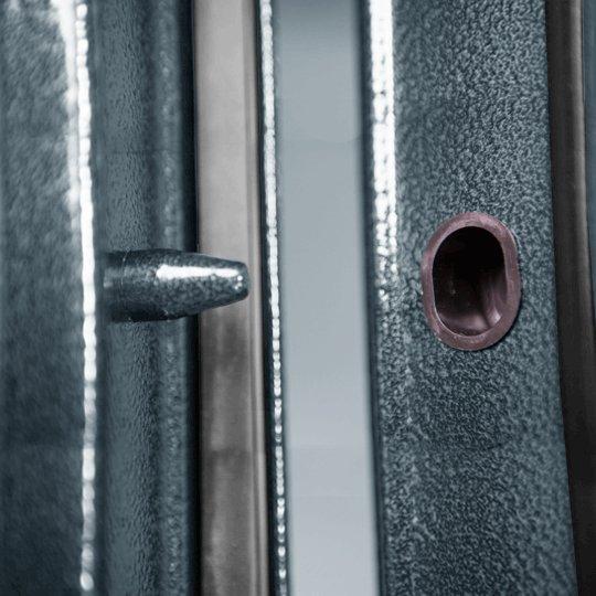 Противосъемные ригели на входной двери